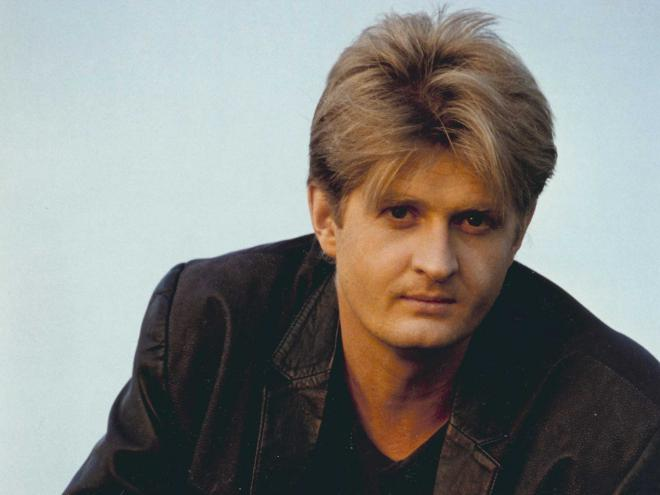 Tom Cochrane Net Worth