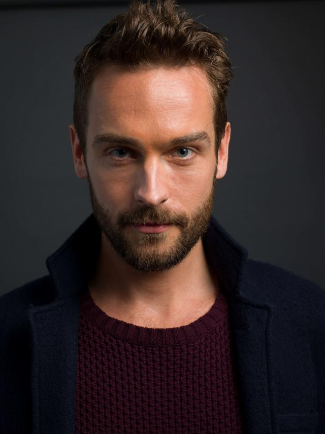 Tom Mison Net Worth