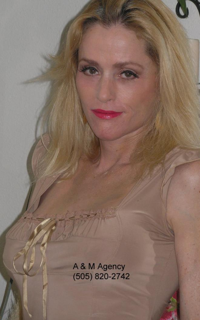 Julia Minesci