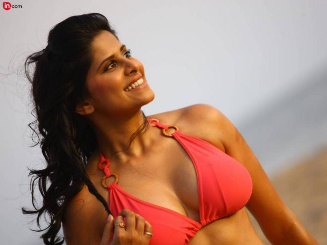 Sai Tamhankar Net Worth