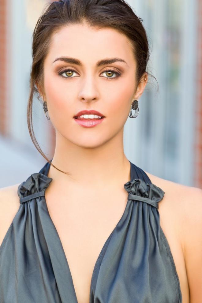 Kathryn McCormick Net Worth