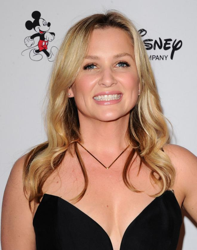 Jessica Capshaw Net Worth