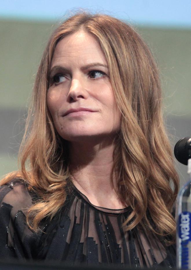 Jennifer Jason Leigh Net Worth